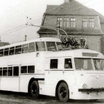 D trolleybus Der VEB IFA Kraftfahrzeugwerk _Ernst Grube_ in Werdau entwickelte 1953 für die BVG Ost einen Doppelstock-Obus