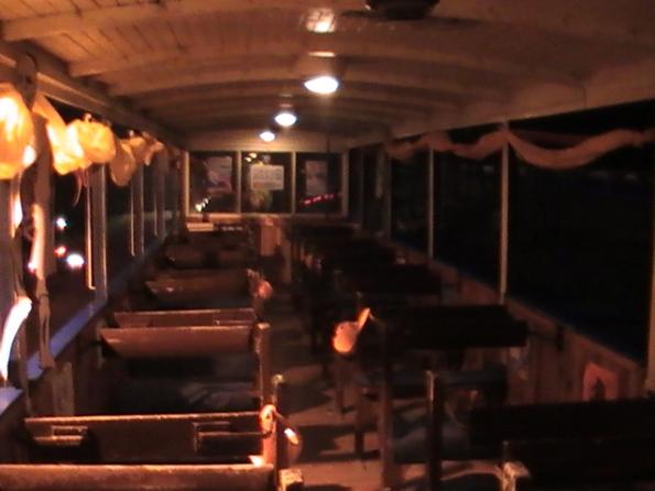 45. Vyvsvieteny interier vagonov mal premieru pocas Noci svetiel, svietilo sa aj na Dusicky