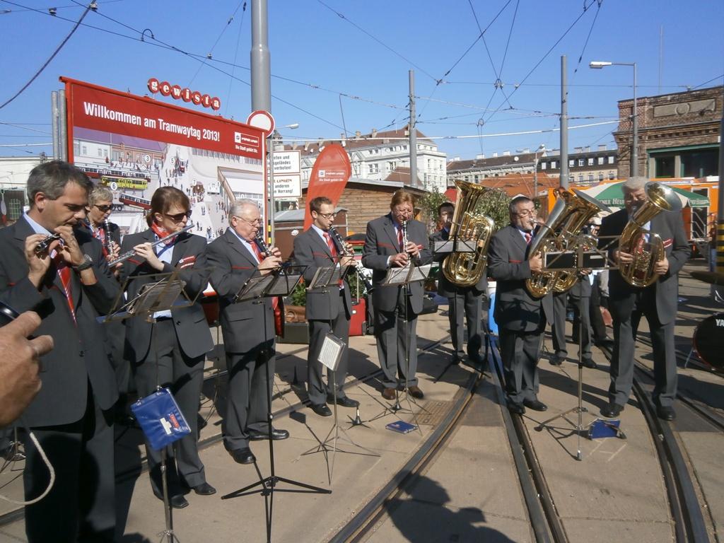 29. Tranwaytag slávnostne otvorila dychová hudba Wiener Linien