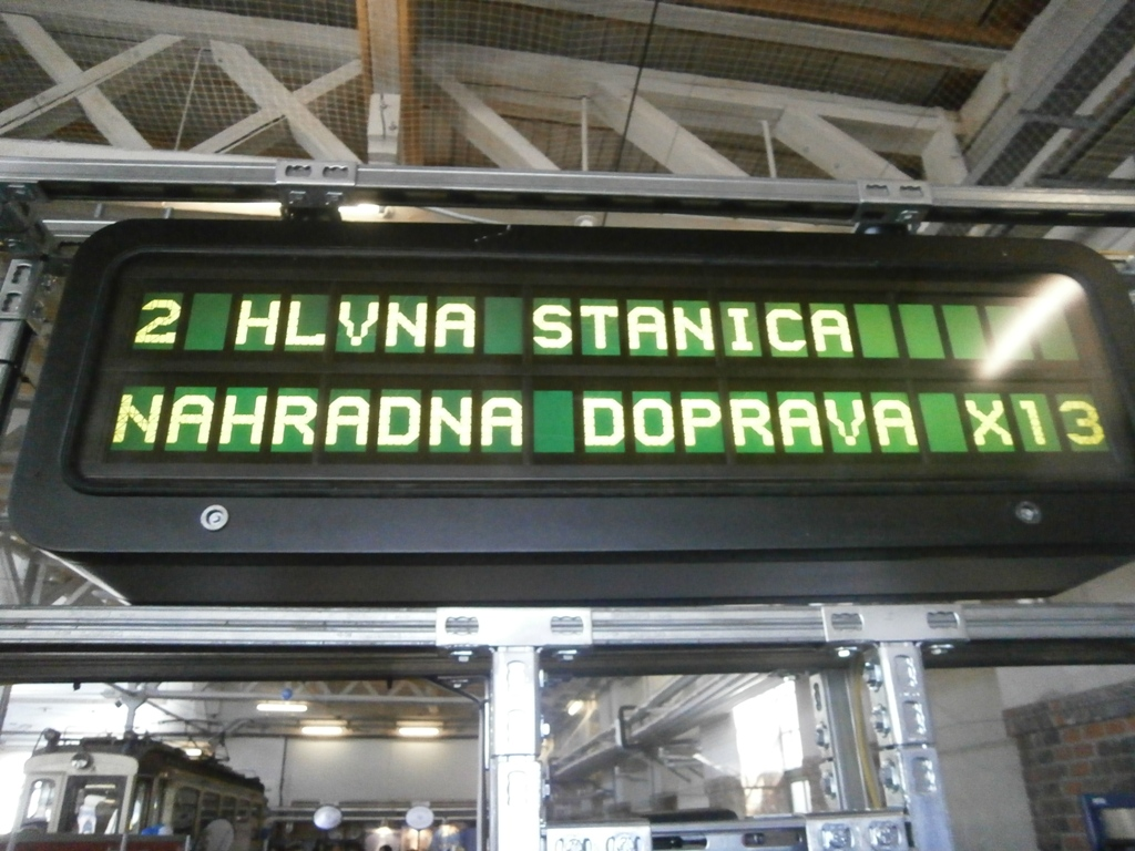 Tak sa zdá že vo Viedni informujú o zmenách doprave v neďalekej Bratislave :-)