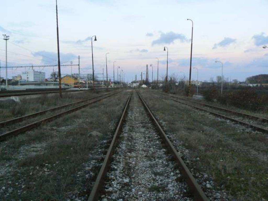 21 pohlad na kolajisko stanice od Bratislavy