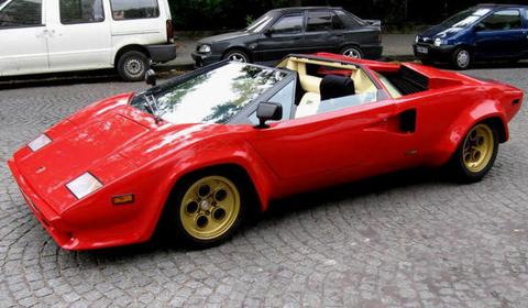 04 Lamborghini-Countach-Spider