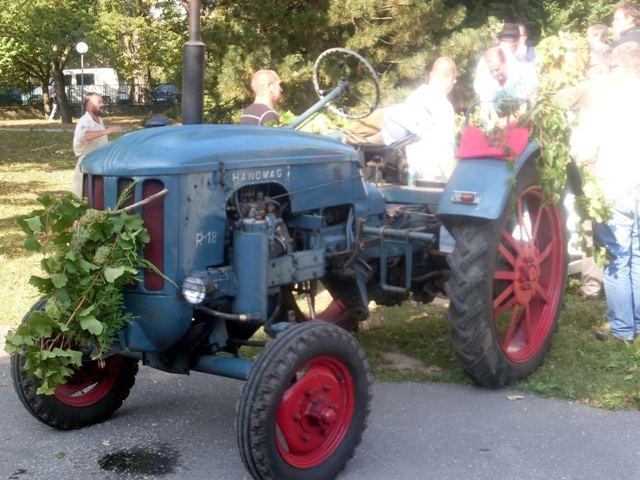 01 Hanomag cabrio na vinobrani v Modre