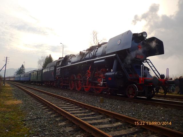Nostalgický vlak v stanici Vrbovce