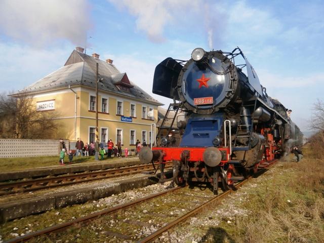 Nostalgický vlak v stanici Vaďovce
