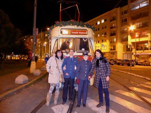 Báječná jazda s báječnou posádkou bratislavskej vianočnej električky, autor: Darina Stachová